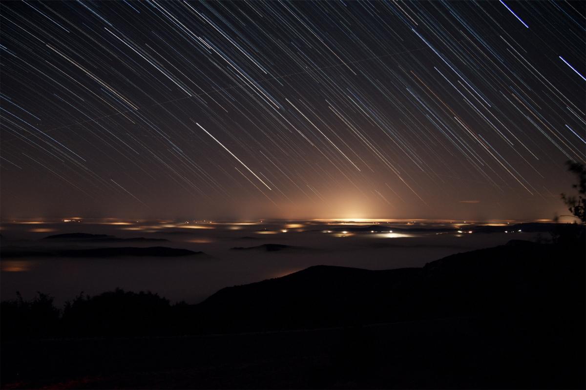 Дъжд от падащи звезди ни очаква тази нощ
