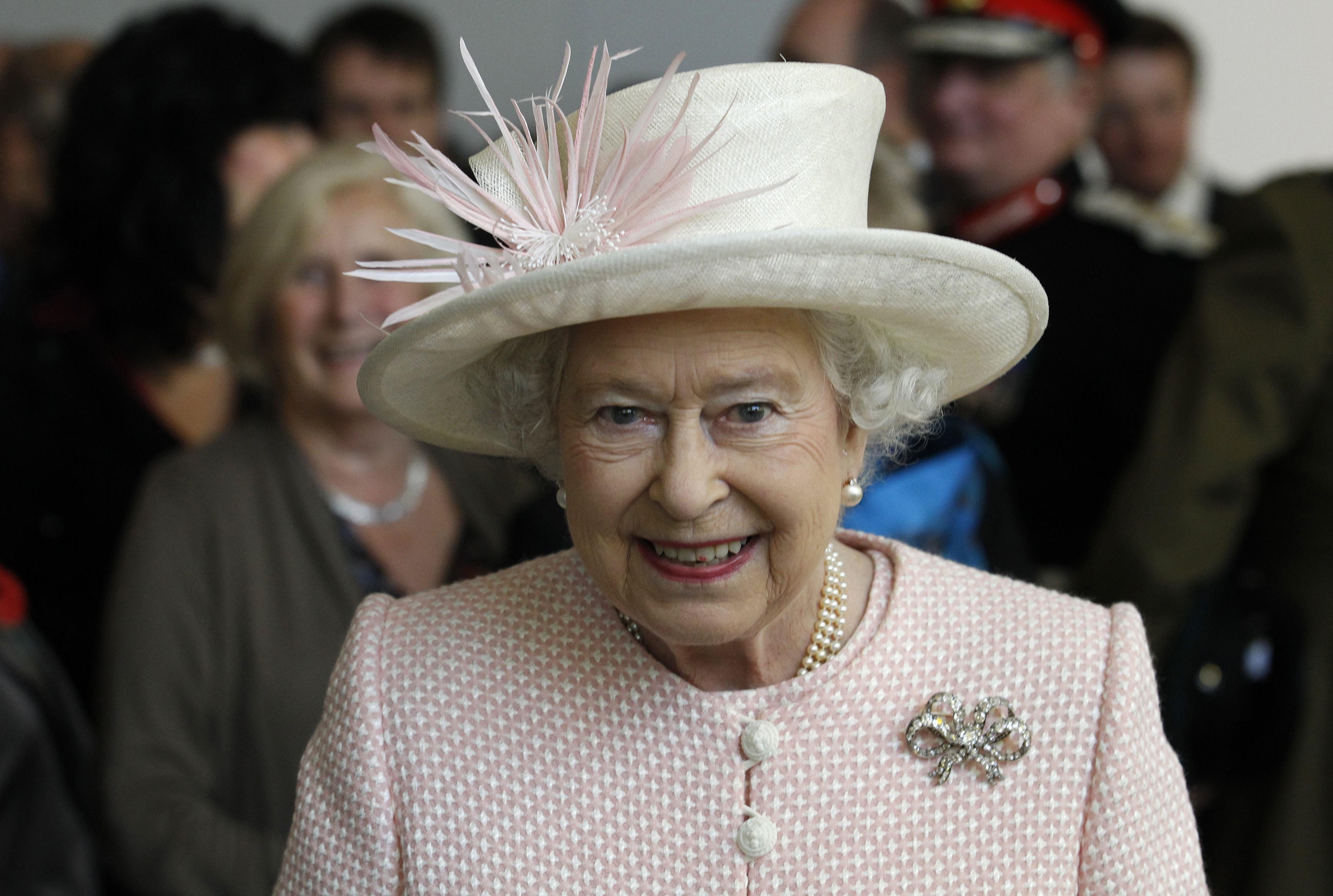 Елизабет II изпрати първия си tweet