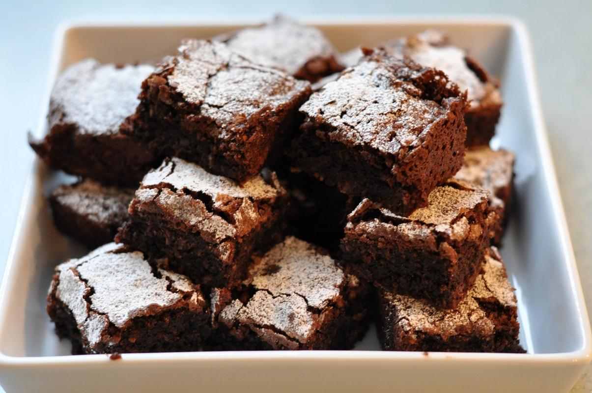 Шоколадов сладкиш с фъстъци