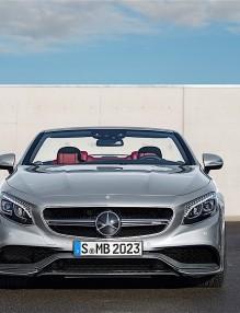 Mercedes пуска лимитиран кабриолет за юбилея си (видео)